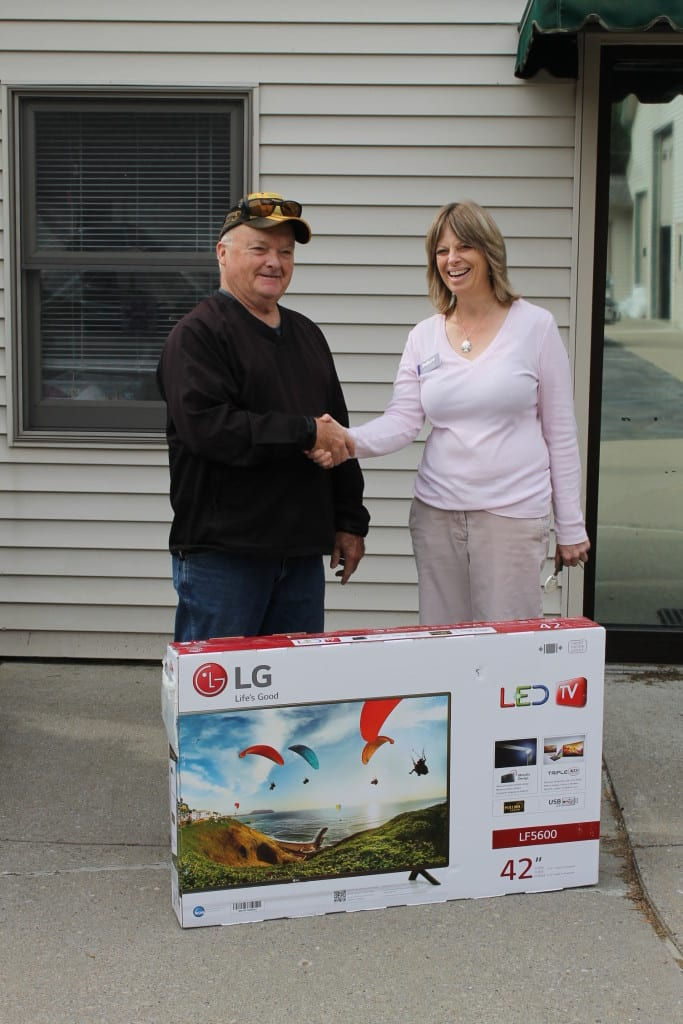"Pete Knight accepting his new 42"" HDTV"